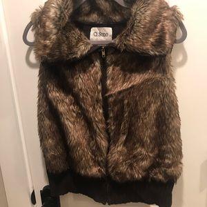 Fur sweater vest. XL